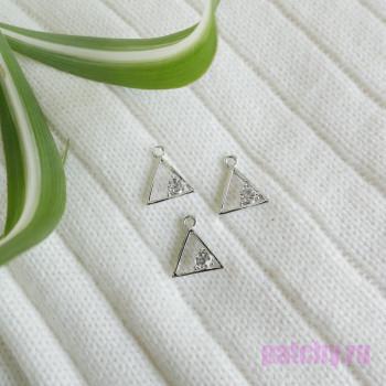 Подвеска треугольник с алмазом серебро