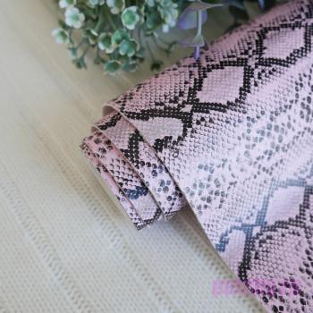 Кожзам рептилия двухцветный нежно розовый и черный