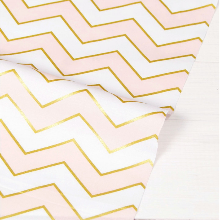 Ткань для пэчворка и скрапбукинга хлопок Blush Chic Chevron Pearlized (Светло-Розовый)